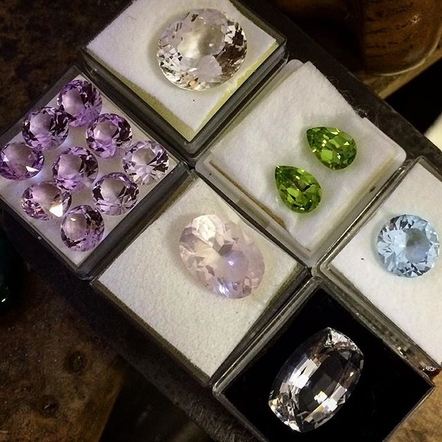 Such a tease!!! just some of the new gems I brought home from @dazlyngems at the Hobart Gem Show!! Such stunning quality material! Gotta finish my very special custom orders before I get to touch these so I better put them out of site out and out of mind😬