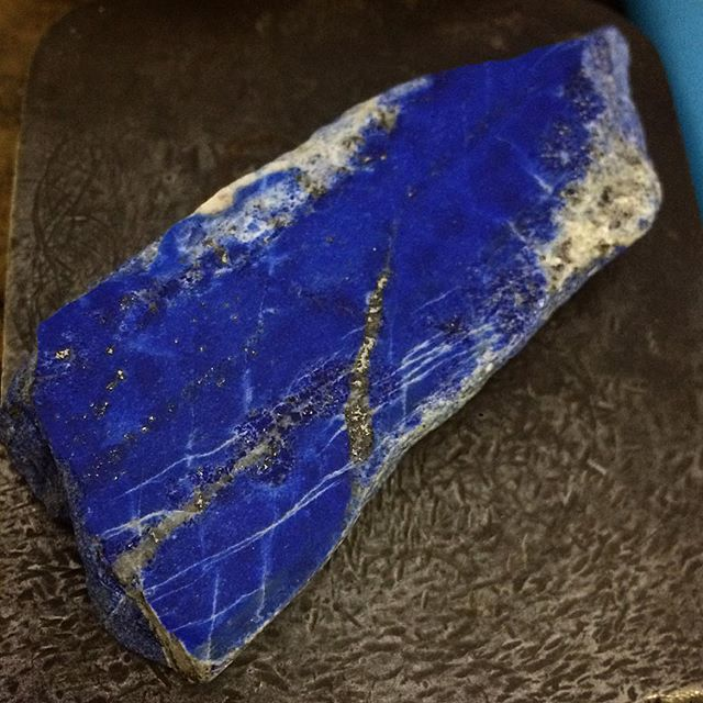 Pretty excited to play with this huge chunk of Lapis Lazuli I got from The Big Tasmanian Rock Shop Yesterday! It's going to make a nice big pendant.