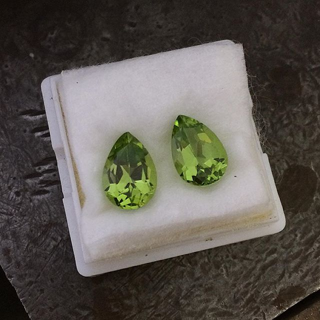 Peridot earrings anyone?? Think I might set them in rose gold! These are natural stones of the highest quality which does make them pricy but I couldn't resist them. Stunning pair! @laurenharrisjewellery