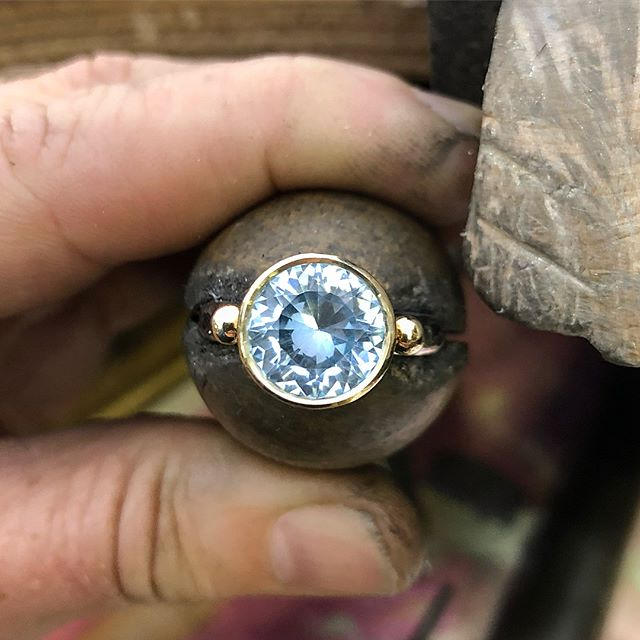 Just finished setting this beautiful natural pale blue Queensland Topaz. A lot of it's weight is in its high crown (see last shot) so I was able to make this a lower profile setting. The cut is amazing!! Another stunner from my mate Darren @dazlyngems ! A purchase I made at last years Hobart Gem and Mineral Show